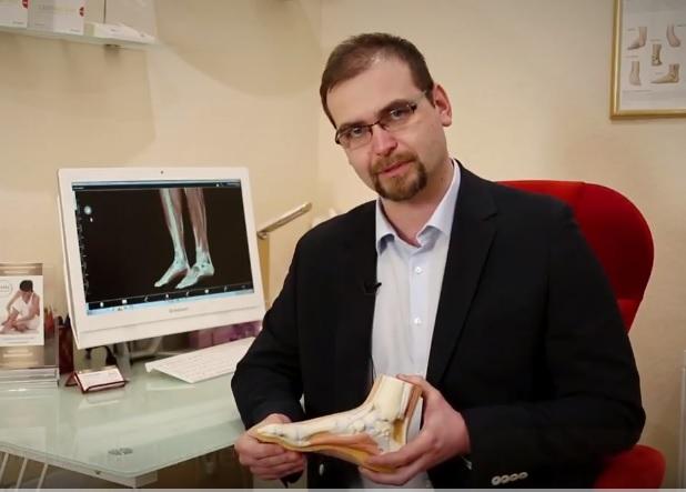 DR. Moravcsik Bence